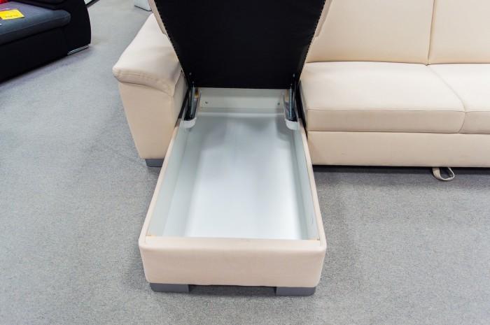 Úložný priestor v sedačke v tvare U