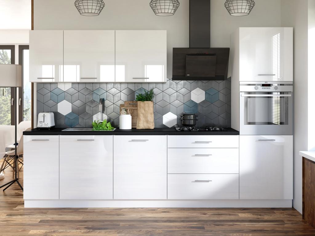 Elegantní kuchyně Emilia má vše, co pro pohodlné vaření potřebujete