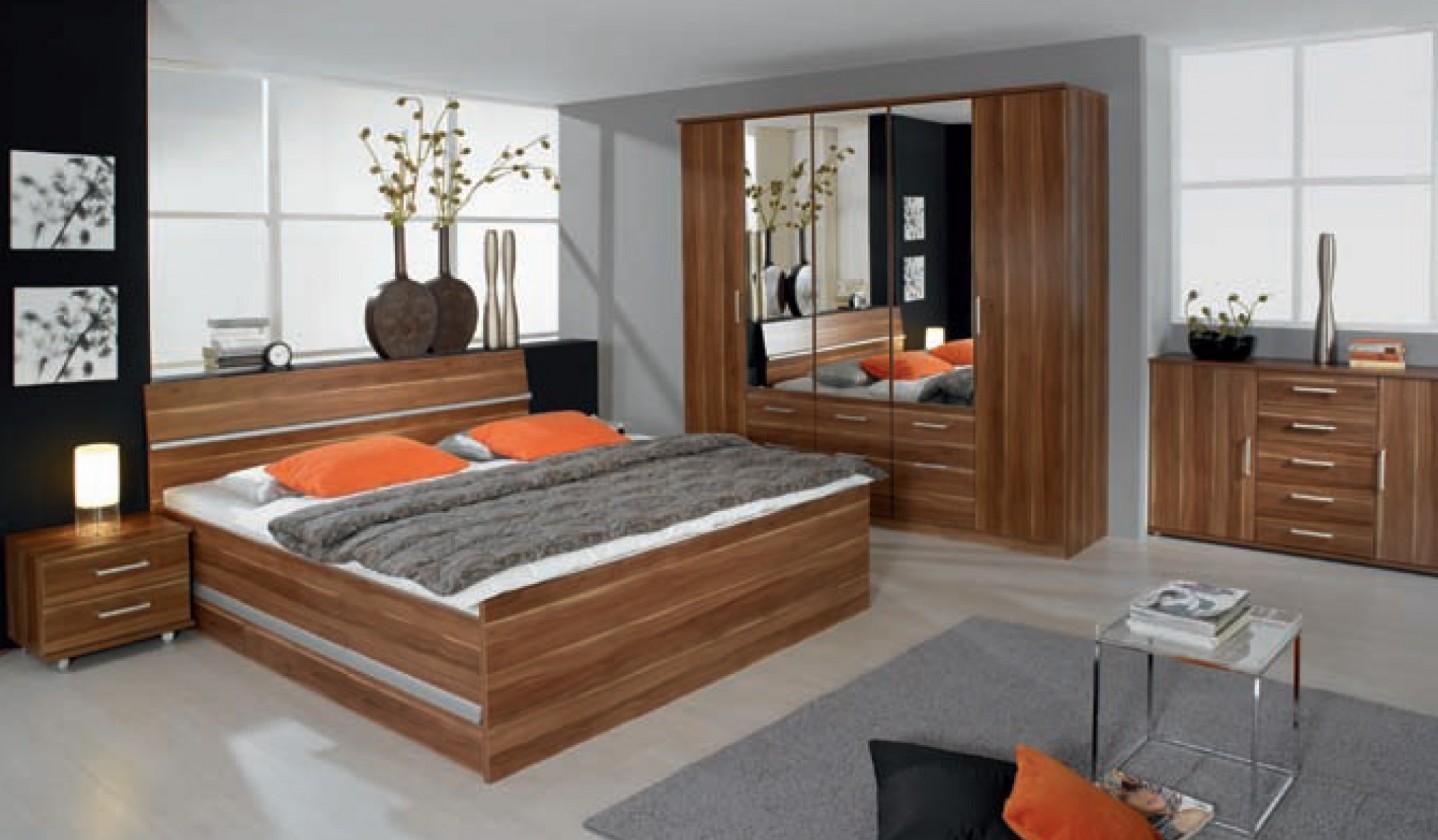 Dřevěná Apulien - 90x200 cm