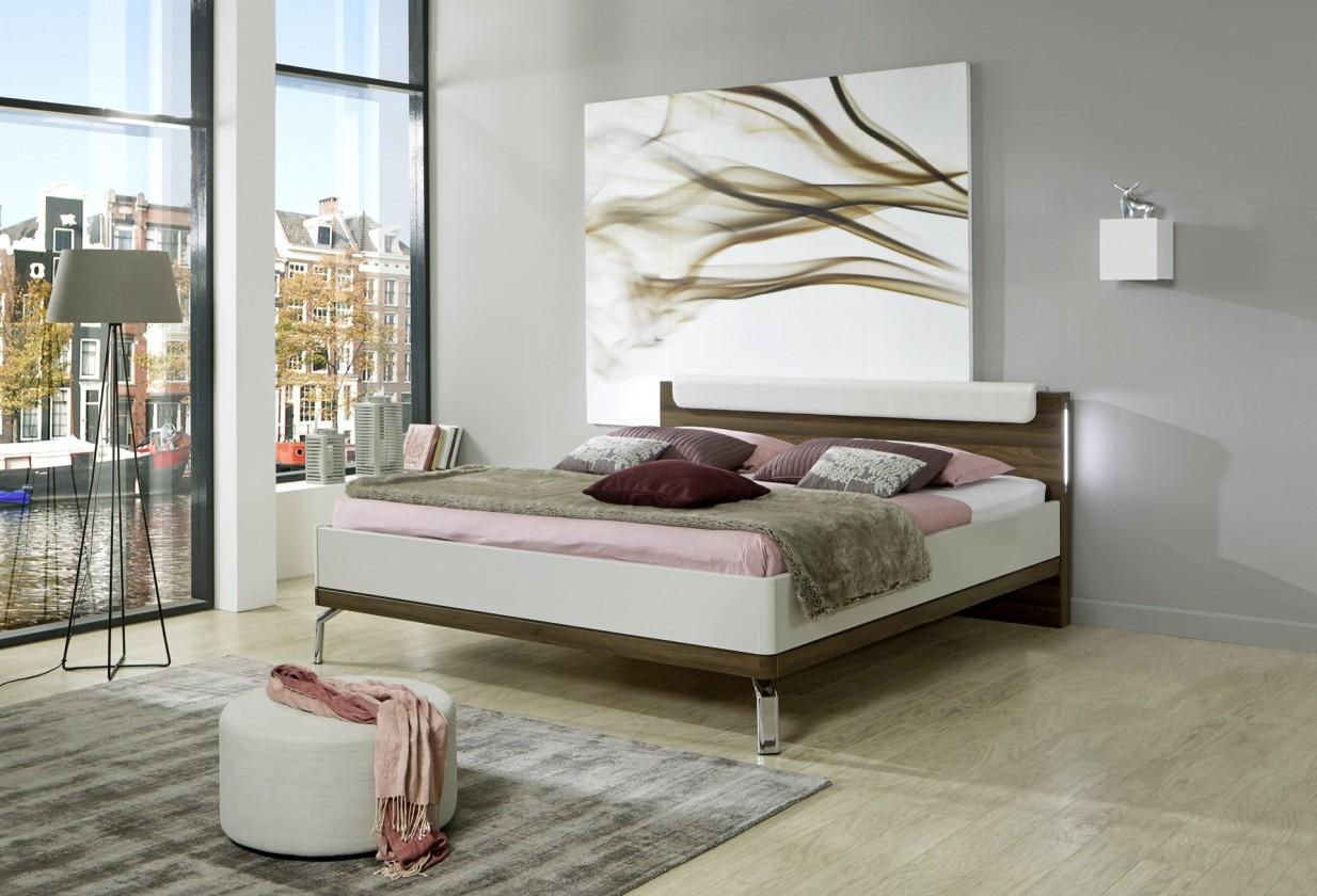Dřevěná Dřevěná postel Catania 180x200 cm, champagne, nocce