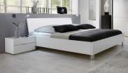Dřevěná postel Medina 180x200 cm, bílá
