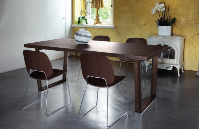 Jídelní stůl Cruise - 240 cm (kostra corten/deska čokoládový jasan)