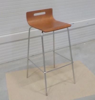Kuchyně, jídelny ZLEVNĚNO SINTE-S židle barová kovová, sedák překližka mořená na třešeň