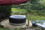 Letní osvěžení v bazénu a vířivce